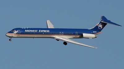 N807ME - McDonnell Douglas MD-81 - Midwest Express Airlines