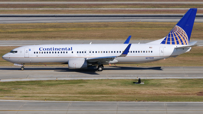 N77520 - Boeing 737-824 - Continental Airlines