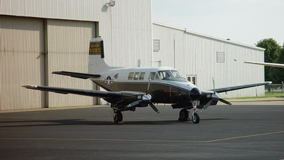 0-03872 - Beechcraft 65 Queen Air - United States - US Army