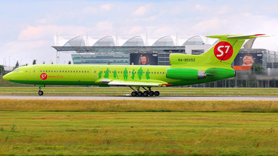 RA-85652 - Tupolev Tu-154M - S7 Airlines