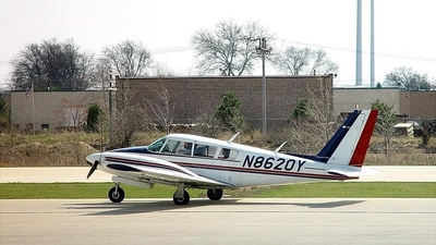 N8620Y - Piper PA-30-160 Twin Comanche C - Private