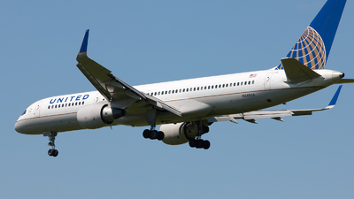 N549UA - Boeing 757-222 - United Airlines