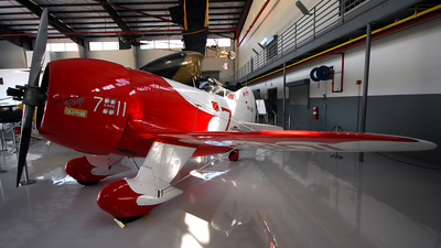 NR2101 - Gee Bee R-2 - Private