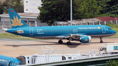 VN-A305 - Airbus A320-214 - Vietnam Airlines