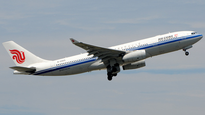 B-5925 - Airbus A330-243 - Air China