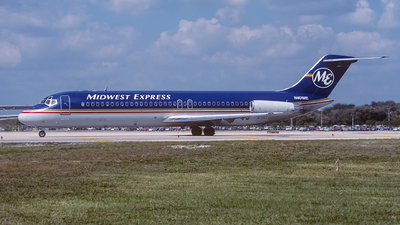N401ME - McDonnell Douglas DC-9-32 - Midwest Express Airlines