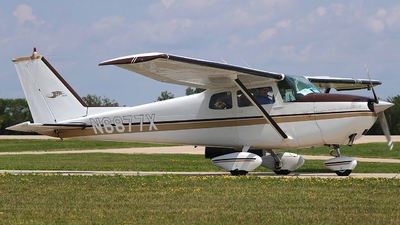 N6877X - Cessna 172B Skyhawk - Private