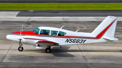 N5683Y - Piper PA-23-250 Aztec - Private