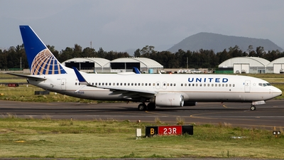 N77520 - Boeing 737-824 - United Airlines