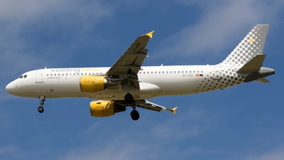 EC-HGZ - Airbus A320-214 - Vueling
