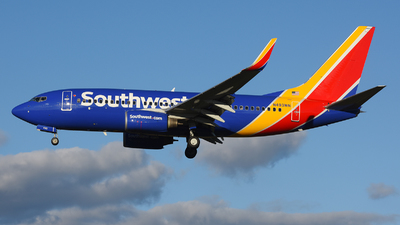 N493WN - Boeing 737-7H4 - Southwest Airlines