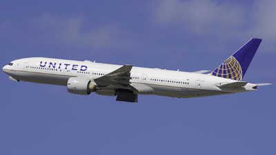 N78001 - Boeing 777-224(ER) - United Airlines