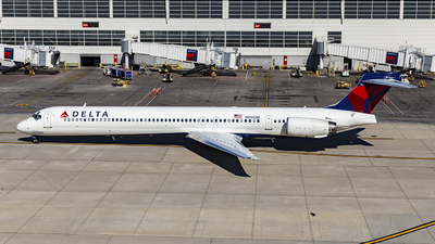 N930DN - McDonnell Douglas MD-90-30 - Delta Air Lines