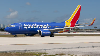 N7821L - Boeing 737-7CT - Southwest Airlines