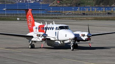 LN-KYV - Beechcraft B300 King Air 350 - Norway - Kystverket (Sundt Air)