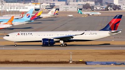 N402DX - Airbus A330-941 - Delta Air Lines