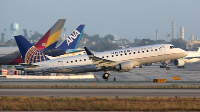 N160SY - Embraer 170-200LR - United Express (SkyWest Airlines)