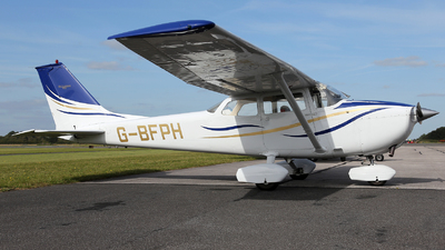 G-BFPH - Reims-Cessna F172K Skyhawk - Private