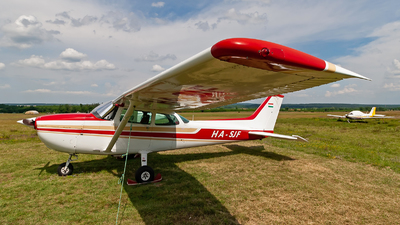 HA-SJF - Cessna 172N Skyhawk II - Private