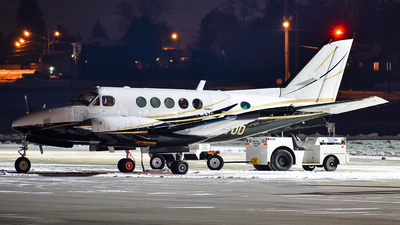 N770D - Beechcraft B100 King Air - Private