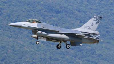 6705 - General Dynamics F-16A Fighting Falcon - Taiwan - Air Force