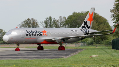 EC-LZF - Airbus A320-232 - Jetstar Airways