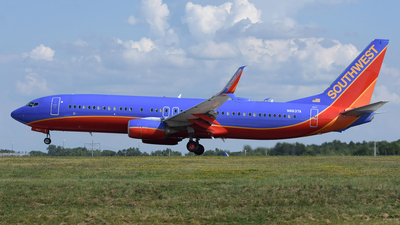 N8637A - Boeing 737-8H4 - Southwest Airlines