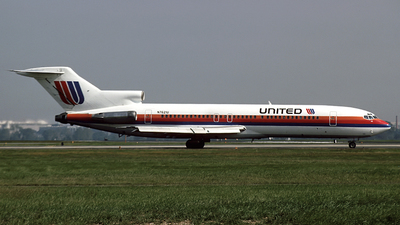 N7621U - Boeing 727-222 - United Airlines