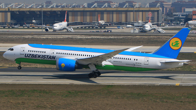 UK78702 - Boeing 787-8 Dreamliner - Uzbekistan Airways