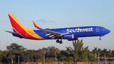 N8582Z - Boeing 737-8H4 - Southwest Airlines