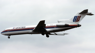 N7647U - Boeing 727-222 - United Airlines