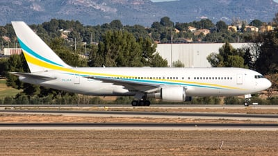 P4-CLA - Boeing 767-2DX(ER) - Comlux Aviation