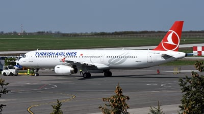 TC-JRE - Airbus A321-231 - Turkish Airlines