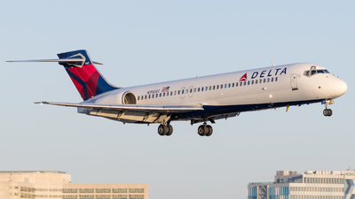 N930AT - Boeing 717-231 - Delta Air Lines