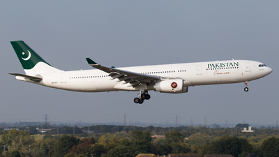 4R-ALN - Airbus A330-343 - Pakistan International Airlines (PIA)