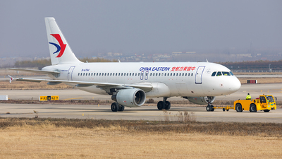 B-6760 - Airbus A320-214 - China Eastern Airlines