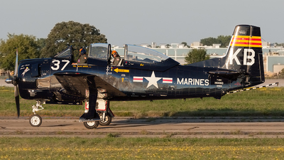 N28KB - North American T-28C Trojan - Private