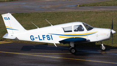 G-LFSI - Piper PA-28-140 Cherokee C - Private