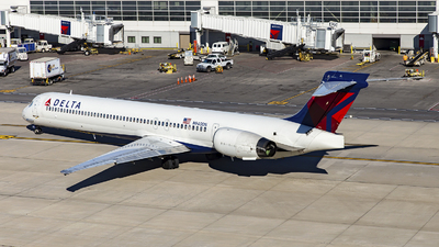 N940DN - McDonnell Douglas MD-90-30 - Delta Air Lines