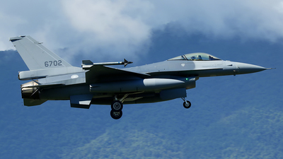 6702 - General Dynamics F-16A Fighting Falcon - Taiwan - Air Force