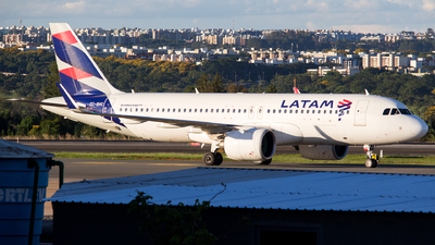CC-BHC - Airbus A320-271N - LATAM Airlines