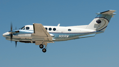 N91RW - Beechcraft 300 Super King Air - Private