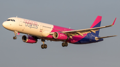 HA-LXS - Airbus A321-231 - Wizz Air