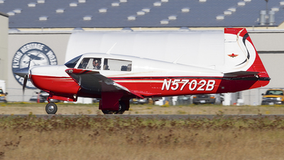 N5702B - Mooney M20J - Private
