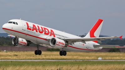 OE-LOU - Airbus A320-214 - LaudaMotion