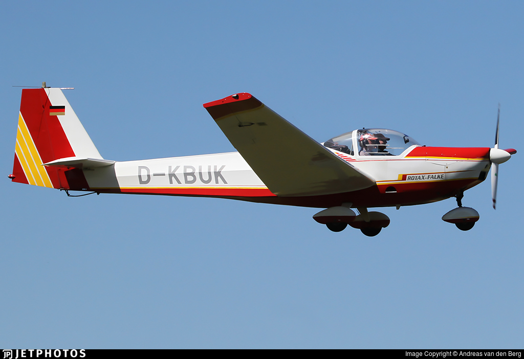 D-KBUK - Scheibe SF.25C Falke - Private