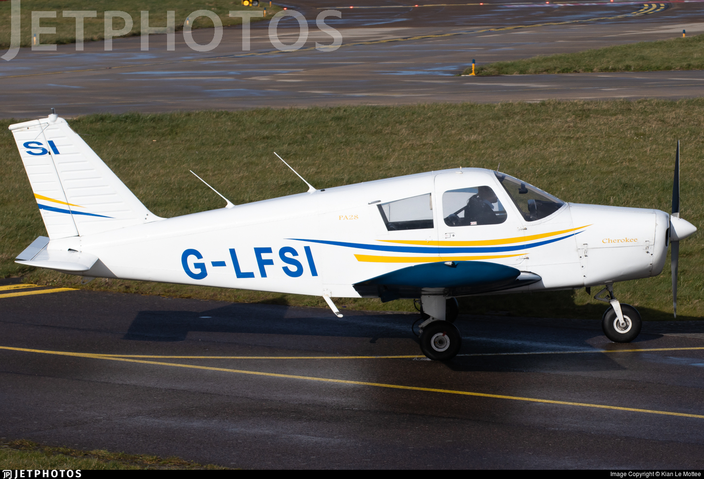 G-LFSI - Piper PA-28-140 Cherokee C - Private