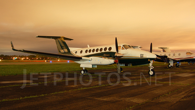 N921BS - Beechcraft B300 King Air 350 - Private