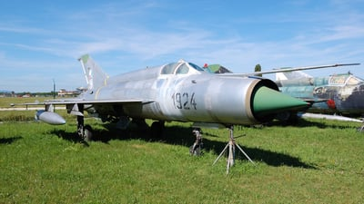 1924 - Mikoyan-Gurevich Mig-21R Fishbed H - Slovakia - Air Force