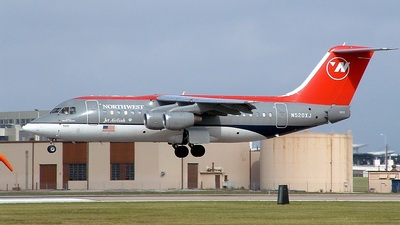 N520XJ - British Aerospace Avro RJ85 - Northwest Jet Airlink (Mesaba Airlines)